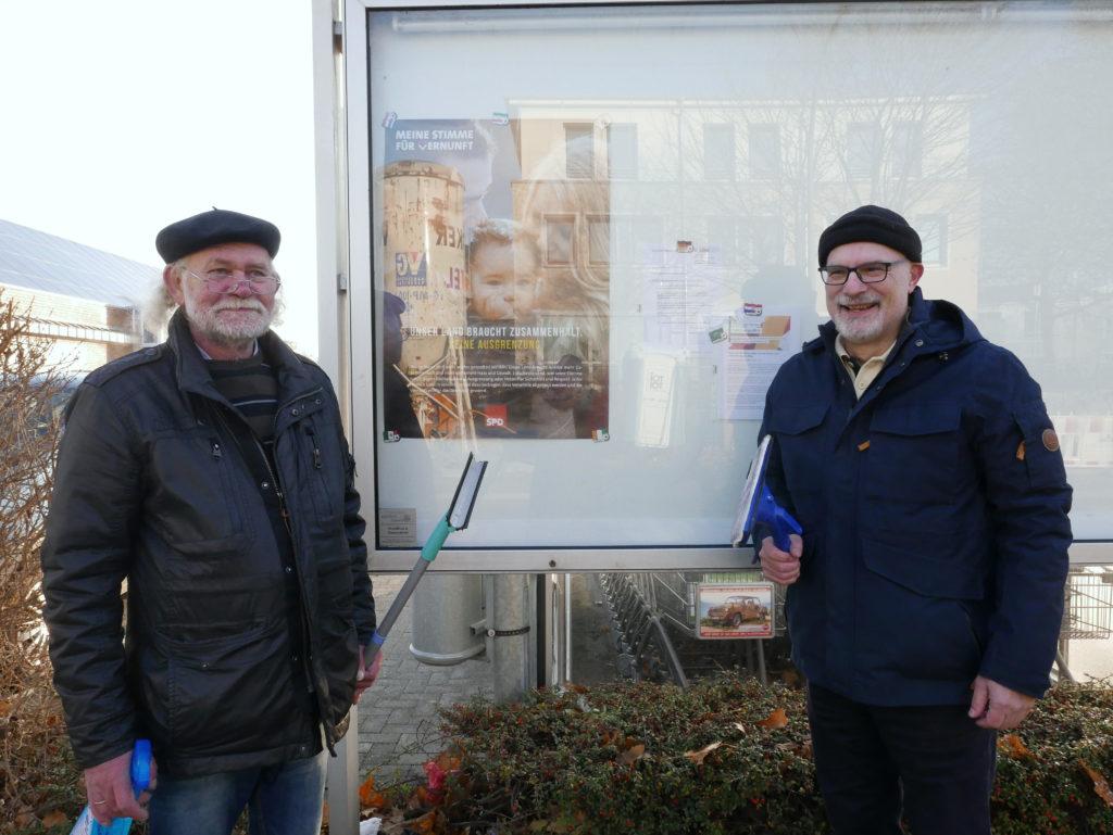 Neuer Schaukasten für Heeren-Werve und Unterstützung des Stadtteils mit 500 €